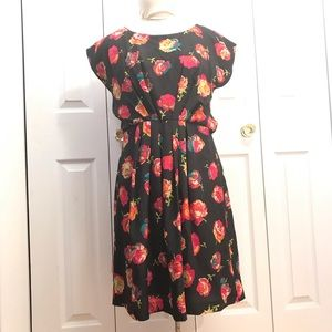 Betsey Johnson Black Floral Pleated dress 10